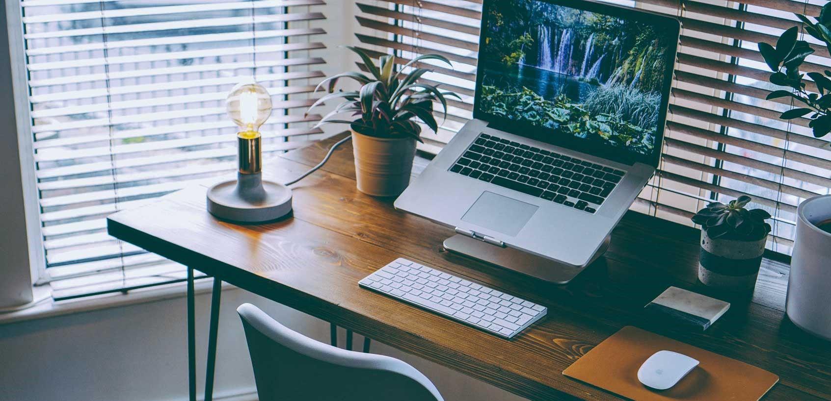 Single Desk - CLR