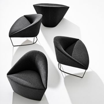 COLINA M ARMCHAIR