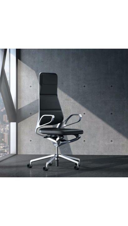 Auray Chair